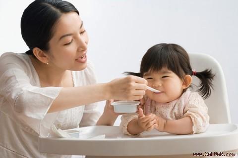 Tổ yến trắng giúp trẻ con mau ăn chóng lớn