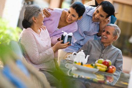 Yến sào là món quà ý nghĩa dành cho người cao tuổi