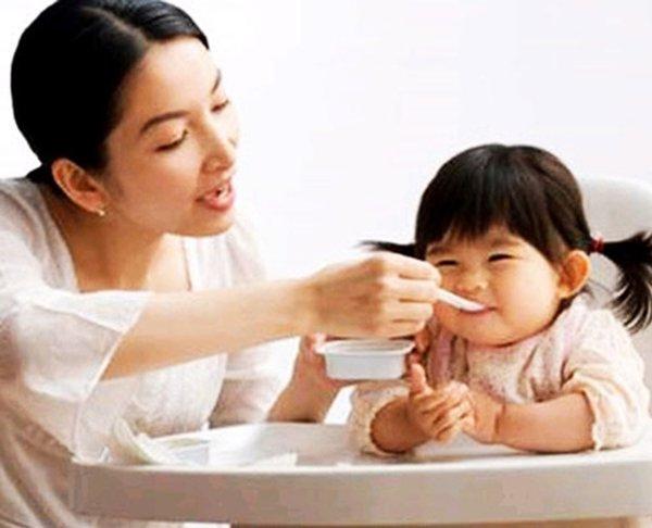 Các sản phẩm từ yến sào có dùng cho trẻ dưới 1 tuổi không 2