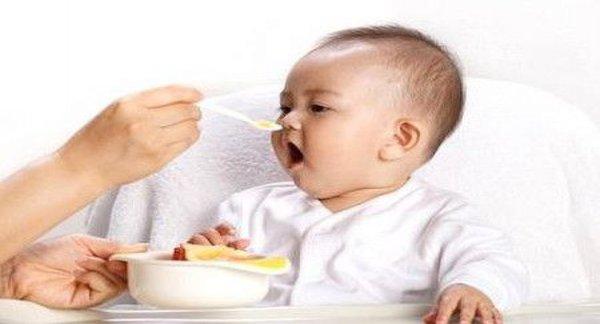 Không dùng yến cho trẻ dưới 12 tháng tuổi