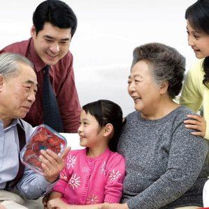 Yến huyết là món quà tuyệt vời cho sức khỏe người già.