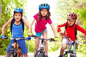 Trẻ em sử dụng nước yến sào để cơ thể khỏe mạnh