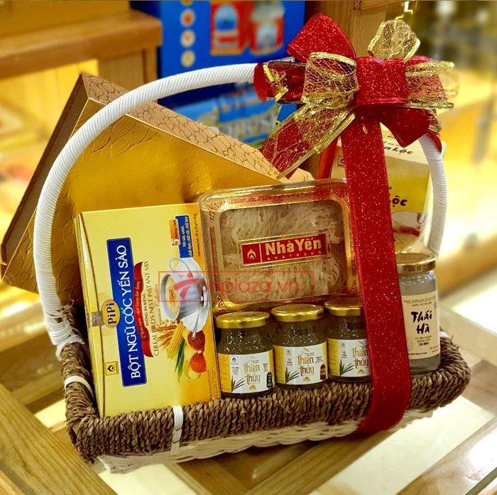 Giỏ quà biếu sức khỏe yến Khánh Hòa – món quà chân tình 3